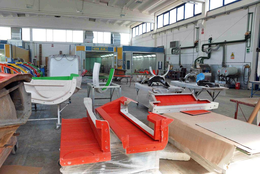 Produzione della mafra vetroresine azienda di melara for Manuale per la pulizia della cabina dell aeromobile